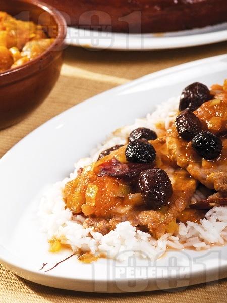 Задушени свински карета с маслини и сушени кайсии - снимка на рецептата